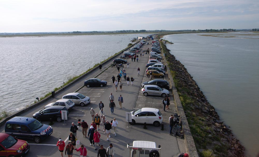Le parking voiture au pied du Mont Saint Michel avant les grands travaux